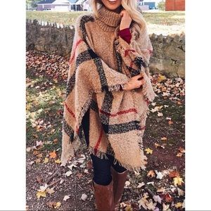 🍁🍂 Tan turtleneck poncho 🍂🍁